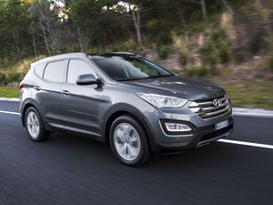 Hyundai upgrades Santa Fe for 2015