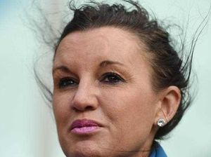 Jacqui Lambie sorry for 'confusion' over Hughes tributes