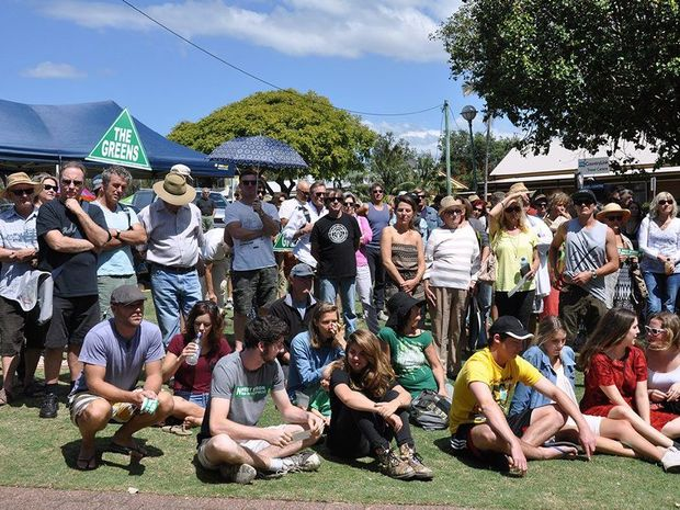 A crowd 0f 600-700 assembled to protest the development at West Byron, organisers said.