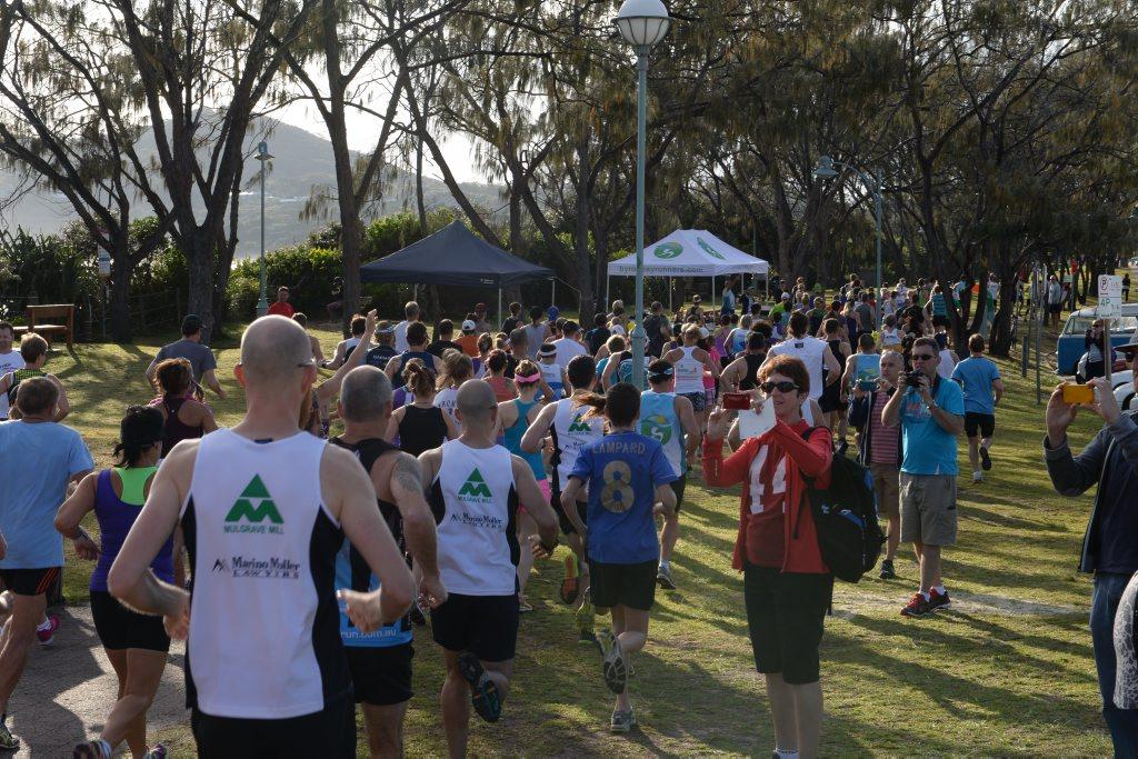 Start of the Byron Bay Lighthouse Run, 2014.