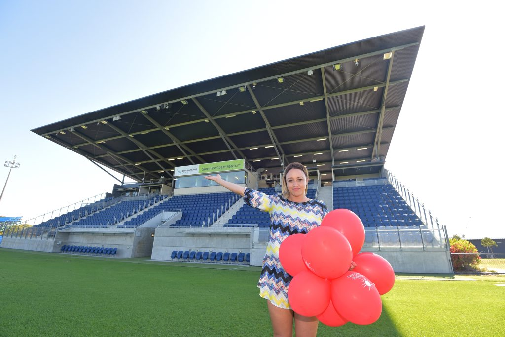 Neleke McDermott is calling on the Sunshine Coast community to help fill the Sunshine Coast Stadium on Saturday morning for a birthday suprise for her best friend Melissa Galea, who is battling the final stages of breast cancer. Photo: Brett Wortman / Sunshine Coast Daily