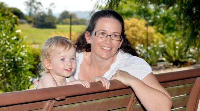 Lyndell Price and daughter Rosie, 2. Photo Tony Martin / Daily Mercury