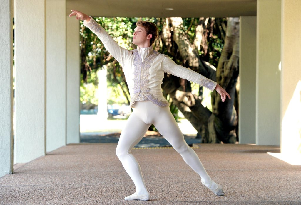 Ballet dancer Rian Thompson Photo Tony Martin / Daily Mercury