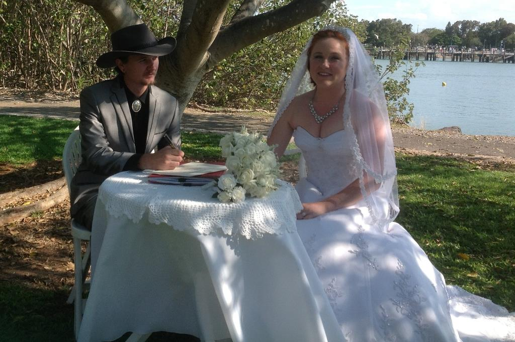 Amanda Foley and Dylan Gray married on Sunday, September 28 at Spinnaker Park in Gladstone.