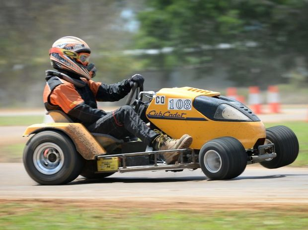 Chris Rawlinson competes in the outlaw class at Mower Racing at Yaamba. Photo Allan Reinikka / The Morning Bulletin