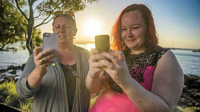 Julie Dow and Harriet Urquhart learn a thing or two at the Instameet.