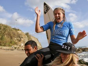 Steph Gilmore takes world number 1 spot with Portugal win