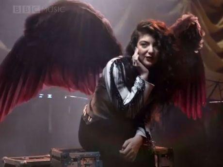 Lorde as an angel