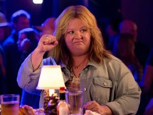 Melissa McCarthy hasn't signed on to Ghostbusters reboot yet