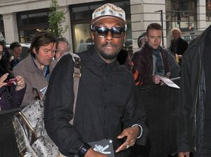 Will.i.am blasts airline after missed flight