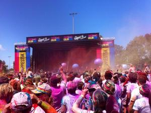 6500 take part in Sunshine Coast Color Run