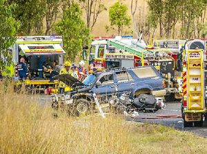 Multiple bikes and 4WD hit head-on in crash