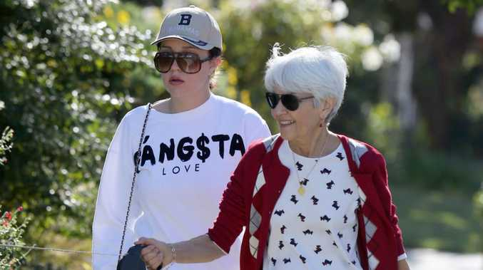 Amanda Bynes with her mother Lynn