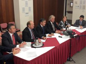 Queensland MPs unite against asset sales