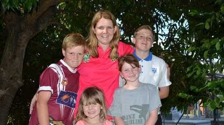 FIGHTING FAMILY: Mel Quinn with her children Mitchell, 11, Madison, 3, Amy, 7 and Luke 14. Photo Samantha Elley / Express Examiner