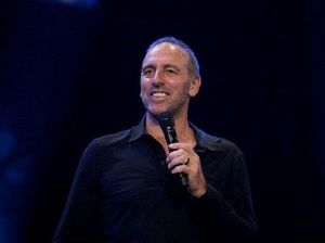 Hillsong head Brian Houston had child abuse 'conflict'