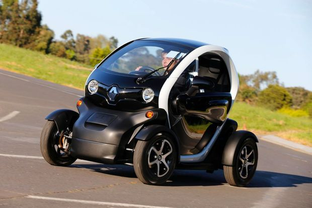 renault twizy road test lean little green machine news mail. Black Bedroom Furniture Sets. Home Design Ideas