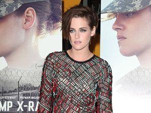 "Kristen Stewart's childhood friends ""dropping like flies"""