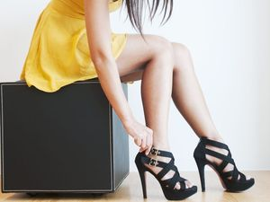 Women's high heels influence male behaviour, says study