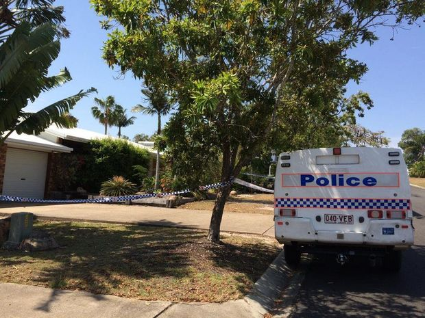 Police at the scene of an alleged attempted murder at Coongul Crt in Urraween. Photo Robyne Cuerel / Fraser Coast Chronicle