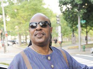Stevie Wonder fathers triplets
