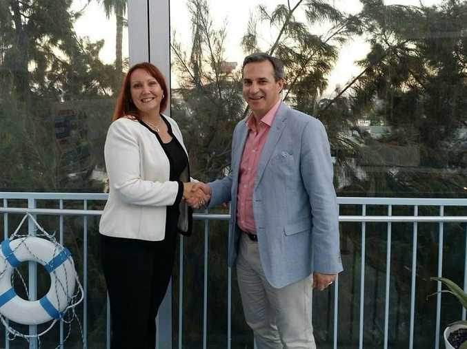 Eva Velasquez, President & CEO of the US Identity Theft Resource Center, and Frank Peppard, Chair of Identity Care Australia & New Zealand (iDcare) celebrate signing an MoU.