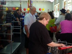 Huge crowd gathers for opening of The Reject Shop in M'boro