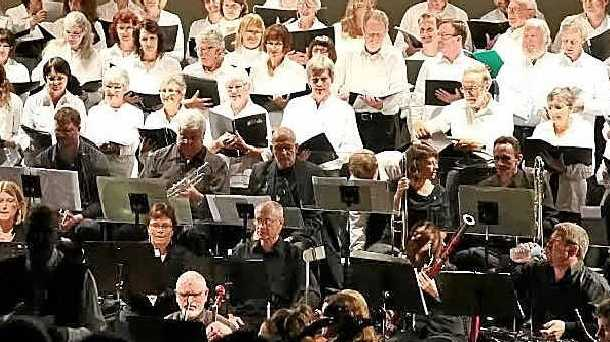 GALA PERFORMANCE: Lismore Symphony Orchestra will be joined by a choir this weekend.