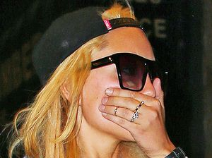 Amanda Bynes caught sleeping in mall