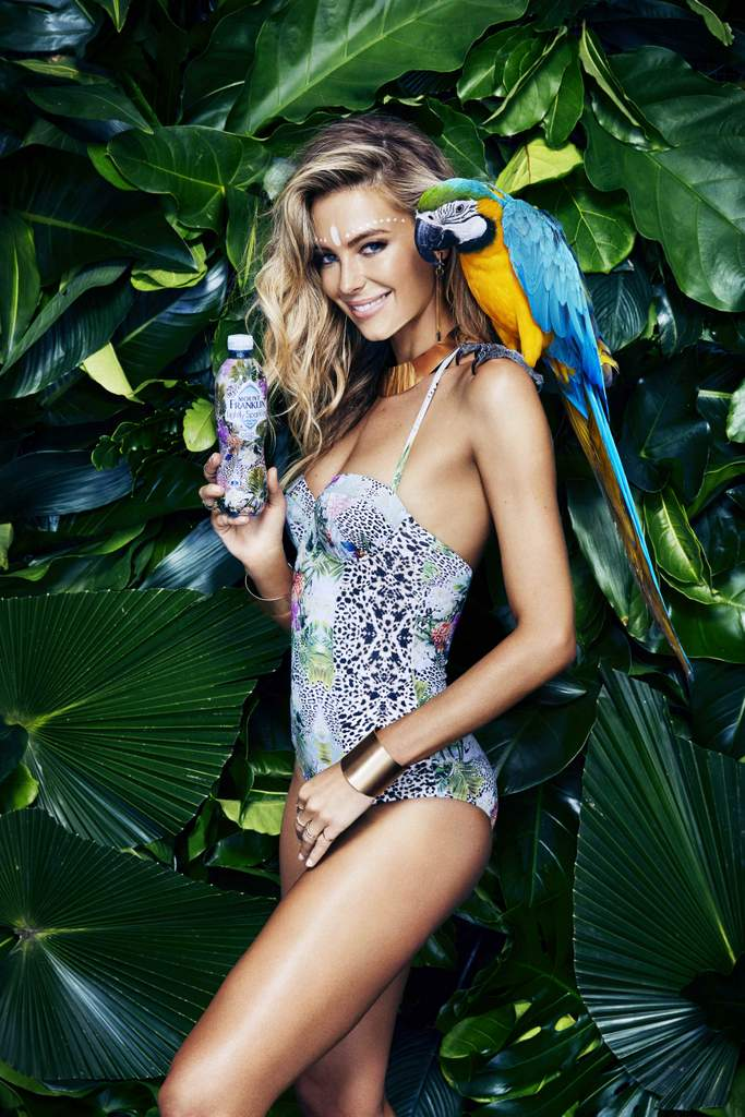 Jennifer Hawkins shows off new sparkling bottle range. Photo: Steven Chee