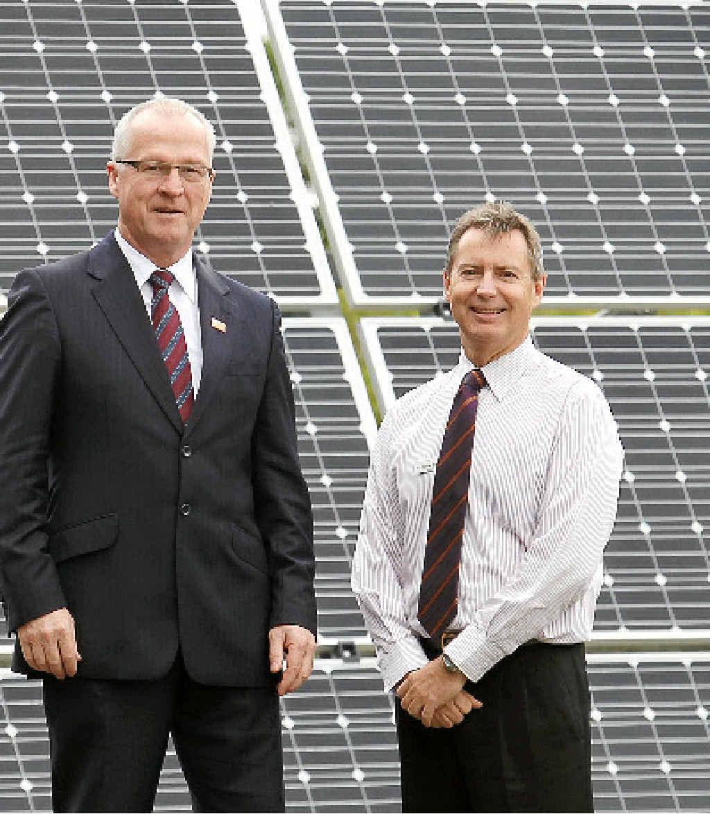 Mayor Mark Jamieson and Councillor Steve Robinson.