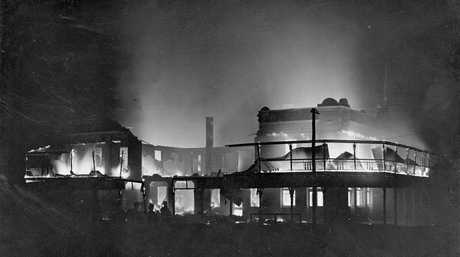 HISTORY: The Royal Hotel in Roma on fire in 1915. Photo: Contributed