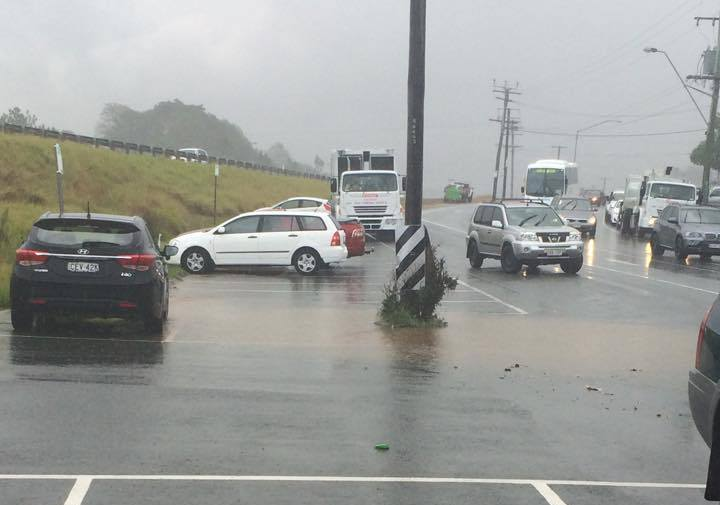 Cars in the heavy downpour at Forest Glen on the Sunshine Coast on Tuesday. Photo: Melissa Zamprogno via Sunshine Coast Daily Facebook page.