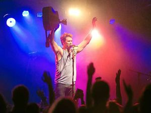 No complaints after toned down Pete Murray show