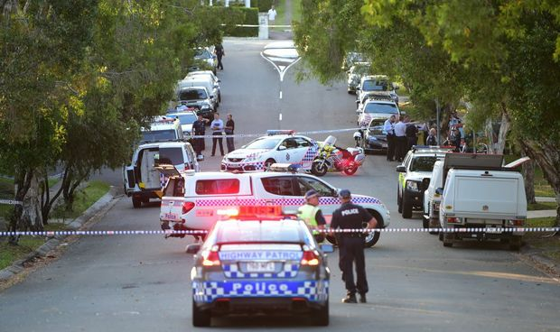 Police shot and killed a 51 year old man on Outlook Drive at Tewantin after the man allegedly had a weapon. Photo: Cade Mooney / Sunshine Coast Daily
