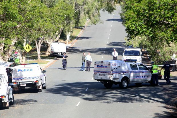 Police at the scene of the shooting at Outlook Drive Tewantin. Photo: Nicola Brander / Sunshine Coast Daily