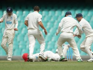 Cricketer Phil Hughes to undergo brain scans