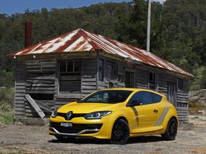 Renault Megane R.S 275 Trophy road test review