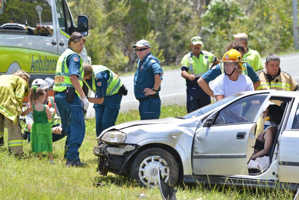 Crash on the Sunshine Motorway south of Buderim overpass, (Moolloolaba Road). Vehicle heading north direction. Photo Patrick Woods / Sunshine Coast Daily
