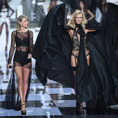 Taylor Swift with Karlie Kloss at the Victoria's Secret Show