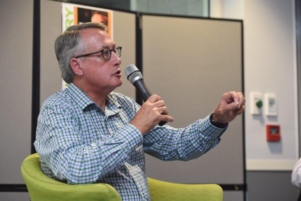Former treasurer Wayne Swan speaking at the Hervey Bay Library.