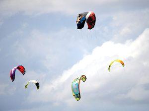Kite surfer receives possible head injury at Bokarina