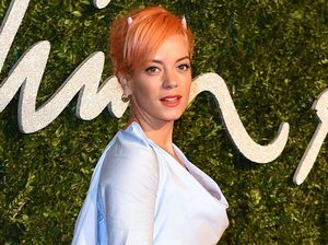Lily Allen gives up alcohol