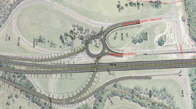 In option B, showing north of the river on the right and south of the river on the left, drivers travelling south must veer left off the highway on the north side of the new bridge, take the third exit on a roundabout and then cross the river on the old bridge before they can link up with the Yamba Rd.
