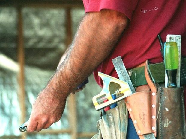 Sunshine Coast builders refute claims that Queensland tradesmen make an average of $63 an hour.