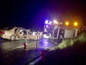 Motorists jump to the aid of Bruce Hwy crash victims
