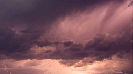 KAWANA: Lightning show standing from Point Cartwright.