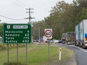 Holiday traffic bottleneck: northbound delays at Macksville