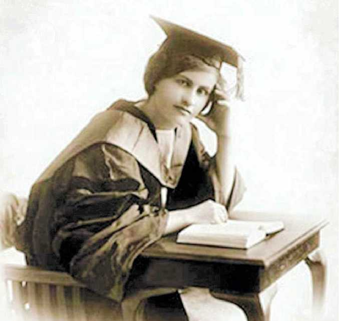 Dr Lorna Hodgkinson