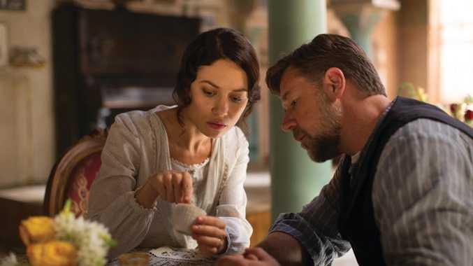 Olga Kurylenko and Russell Crowe in The Water Diviner.